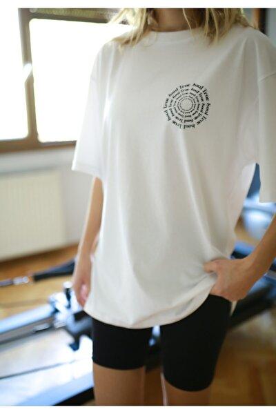 Kadın Beyaz %100 Pamuk Bisiklet Yaka Oversize Boyfriend Yarım Kollu Unisex Logo Baskılı T-shirt
