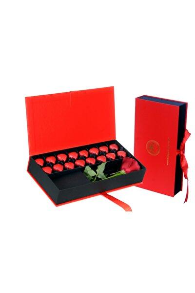 Kırmızı Kutu Kalpli Çikolata & Canlı Gül