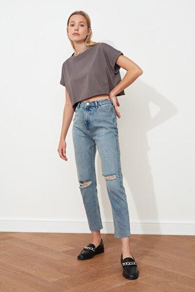 Mavi Yırtık Detaylı Yüksek Bel Mom  Jeans TWOSS20JE0353