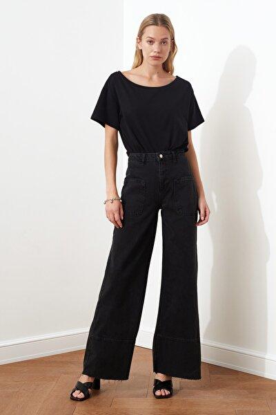 Siyah Dikiş Detaylı Yüksek Bel Wide Leg Jeans TCLAW19LR0002