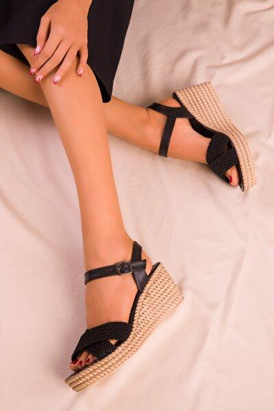 Siyah Kadın Dolgu Topuklu Ayakkabı 15850