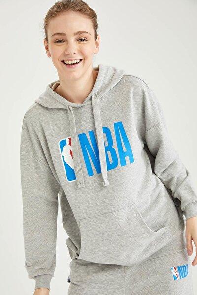 Kadın NBA Lisanslı Kapüşonlu Oversize Sweatshirt T5429AZ21SP