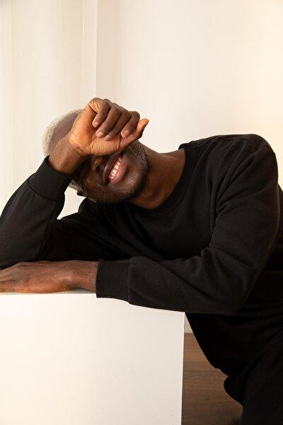 Erkek Siyah Oversize Fit Bisiklet Yaka Basic Sweatshirt S2819AZ20WNBK