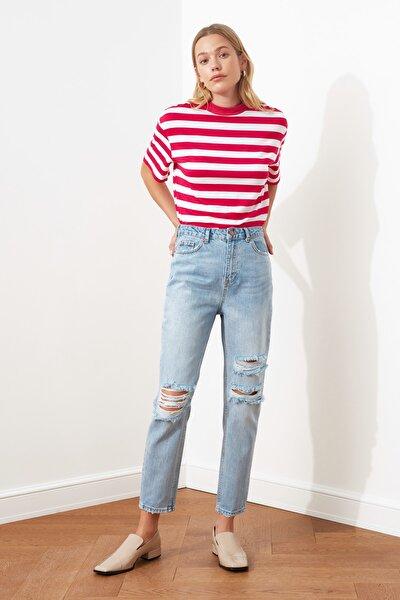 Açık Mavi Yırtık Detaylı Yüksek Bel Mom Jeans TWOSS21JE0102