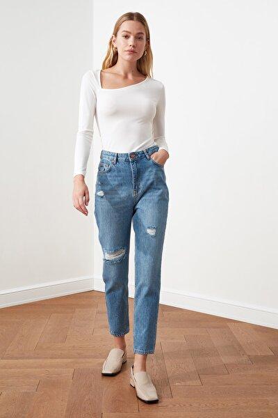 Koyu Mavi Yırtık Detaylı Yüksek Bel Mom Jeans TWOSS21JE0110