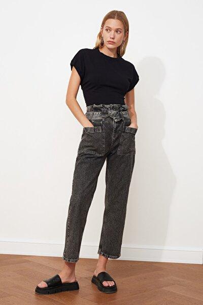 Antrasit Kemerli Cep Detaylı Süper Yüksek Bel Straight Jeans TWOAW21JE0669
