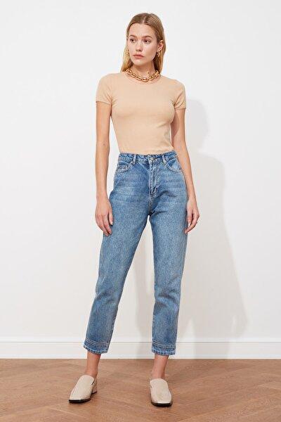 Mavi Paçası Dikiş Detaylı Yüksek Bel Mom Jeans TWOSS21JE0088