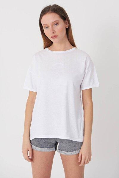 Kadın Beyaz Yazı Detaylı T-Shirt P0659 - Dk12 Adx-0000018505
