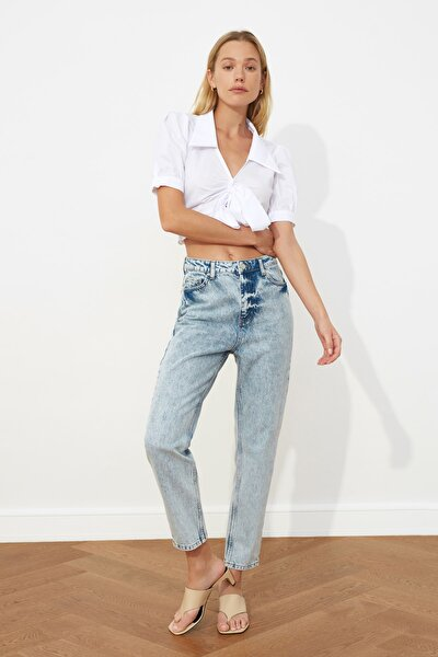 Mavi Yıkama Efektli Yüksek Bel Mom Jeans TWOSS21JE0350