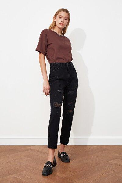 Siyah Yırtık Detaylı Yüksek Bel Mom Jeans TWOSS20JE0177