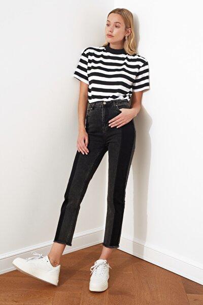 Siyah Renk Bloklu Yüksek Bel Slim Fit Jeans TWOAW21JE0017