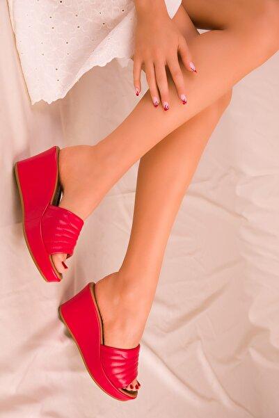 Kırmızı Kadın Terlik 15847