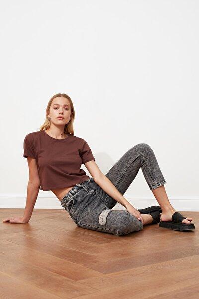 Antrasit Yırtık Detaylı Yüksek Bel Mom Jeans TWOSS21JE0259