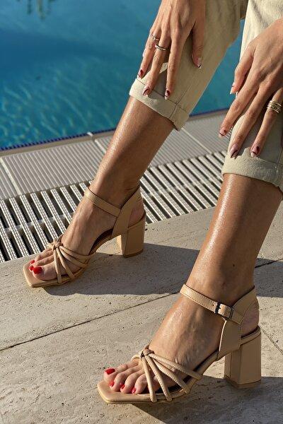 Küt Burun 4 Bant Düğümlü Topuklu Sandalet
