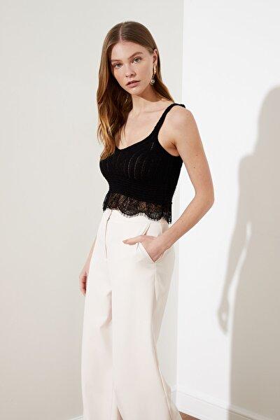 Siyah Dantelli Crop Triko Bluz TWOSS21BZ0068