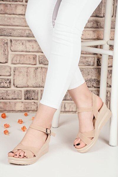 Kadın Bej Dolgu Topuklu Terlik Çapraz Kemerli Sandalet