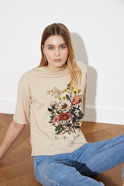 Bej Baskılı Loose Örme T-Shirt TWOSS21TS0490