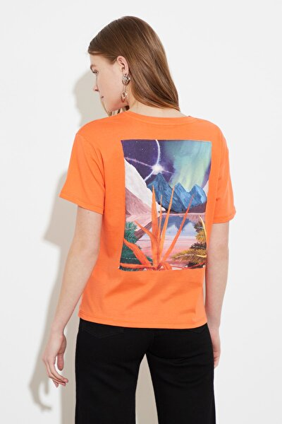 Somon Baskılı Semi-Fitted Örme T-Shirt TWOSS20TS1446
