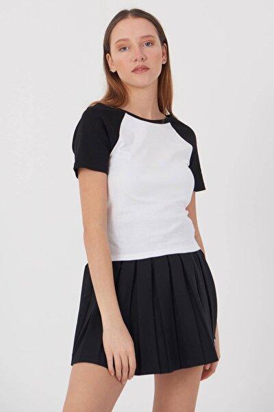 Kadın Beyaz Siyah Bisiklet Yaka T-Shirt P0426 - E10 Adx-00012841