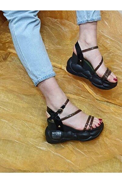 Kadın Siyah Dolgu Topuk Sandalet