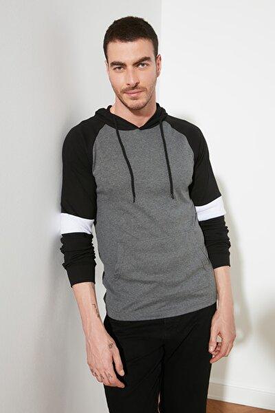 Antrasit Erkek Kapüşonlu Slim Fit T-Shirt TMNSS20TS0029