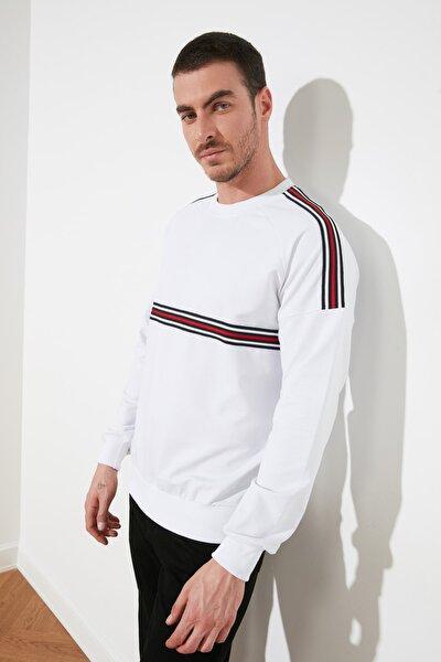 Beyaz Erkek Regular Fit Şeritli Sweatshirt TMNSS20SW0008