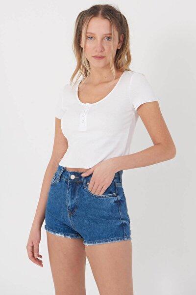 Kadın Beyaz Çıtçıt Detaylı T-Shirt P0867 - Dk9 Adx-0000021736
