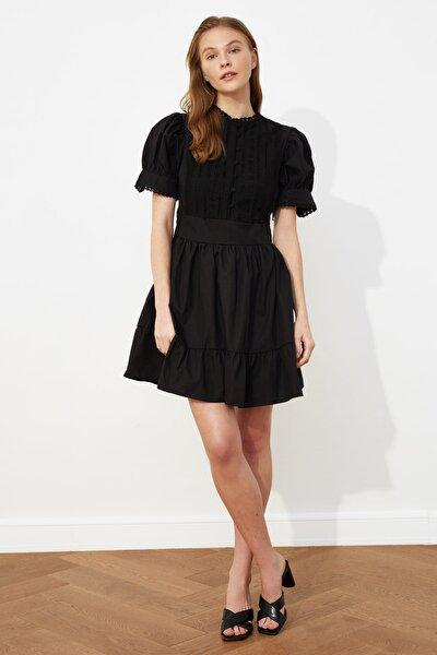 Siyah Dantel Detaylı Elbise TWOSS21EL0919