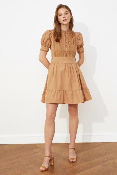 Camel Dantel Detaylı Elbise TWOSS21EL0919