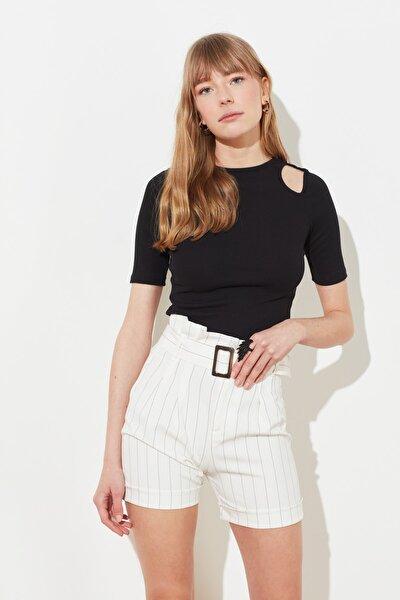 Siyah Cut Outlu Fitilli Örme Bluz TWOSS21BZ0581