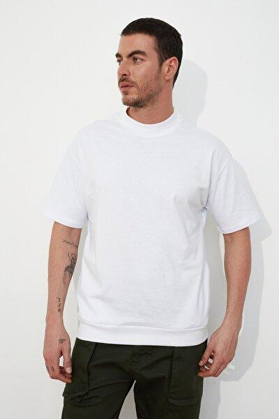 Beyaz Erkek Dik Yakalı Regular Fit  T-Shirt TMNSS21TS0207