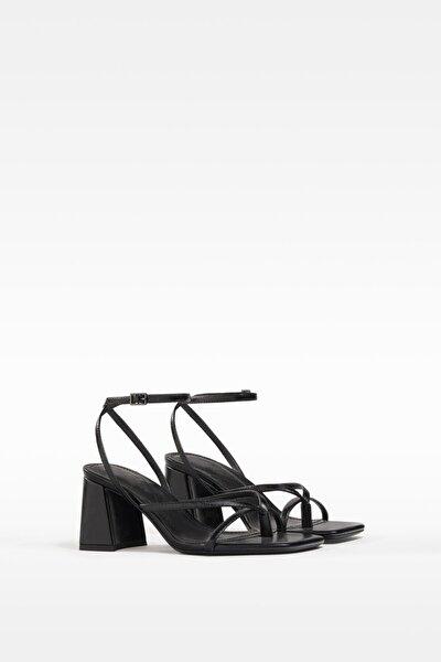 Kadın Siyah Bantlı Topuklu Sandalet