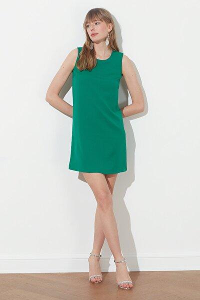 Zümrüt Yeşili Basic Kolsuz Elbise TWOSS19FG0063