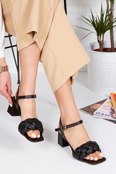 Siyah Analin Topuklu Sandalet