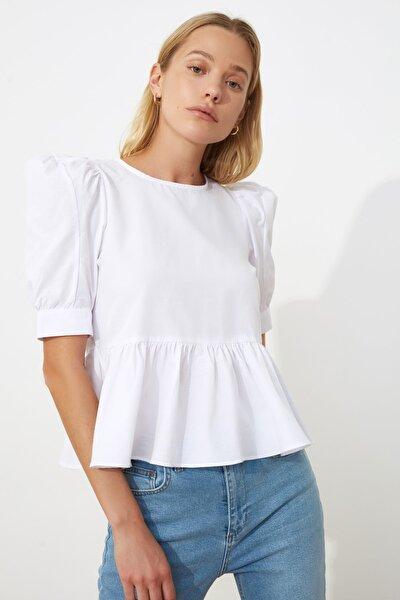 Beyaz Volan Detaylı Bluz TWOSS20BZ0494