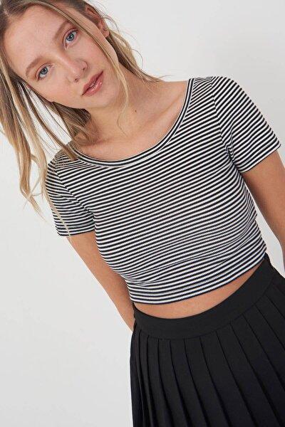 Kadın Siyah Beyaz Çizgili T-Shirt Çiz P0860 - U2 Adx-0000021710
