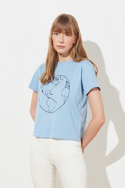 Mavi Varak Baskılı Semi Fitted Örme T-Shirt TWOSS19AD0068