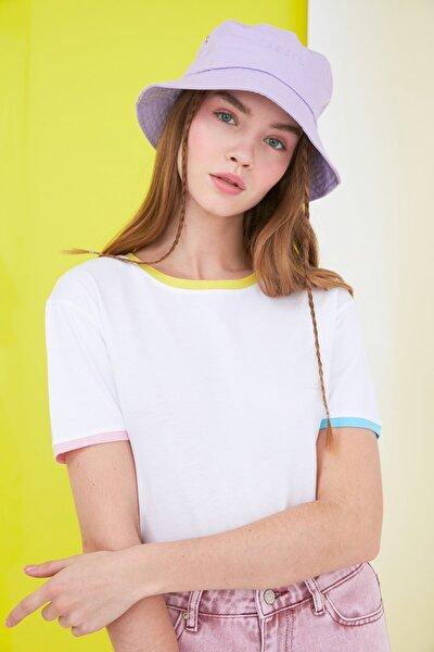 Beyaz Renkli Biyeli Basic Örme T-Shirt TWOSS21TS0840