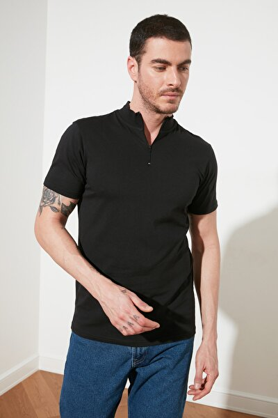 Siyah Erkek Yakası Fermuarlı Slim Fit T-Shirt TMNSS20TS0016