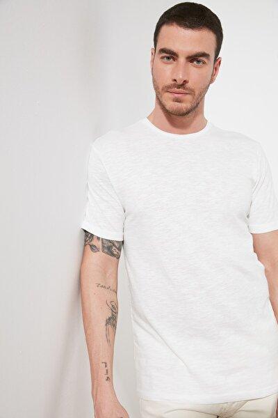 Beyaz Erkek Regular Fit Bisiklet Yaka Kısa Kollu Basic T-Shirt TMNSS21TS1000