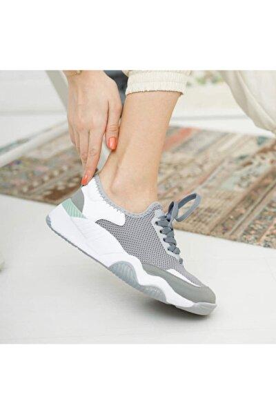 Kadın Gri Beyaz Bağcıklı Spor Ayakkabı