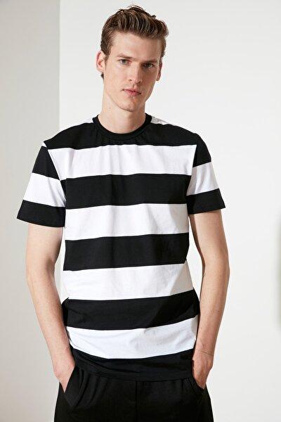 Siyah Erkek Regular Fit T-Shirt TMNSS21TS1546