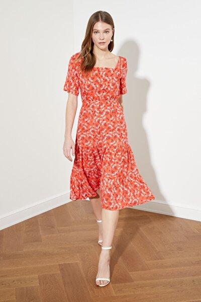 Nar Çiçeği Desenli Volanlı Elbise TWOSS21EL1450