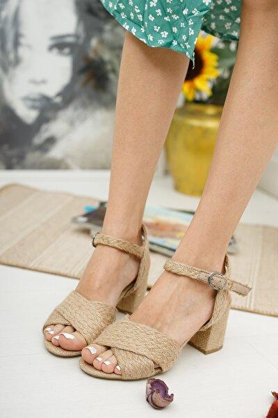 Kadın Hasır Çapraz Sandalet