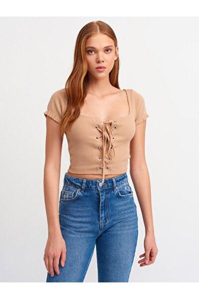 Kadın Kahverengi Kuşgözü Detaylı T-shirt