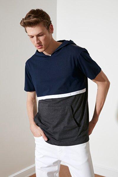 Lacivert Erkek Regular Fit Kapüşonlu T-Shirt TMNSS20TS1359