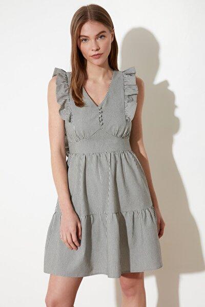 Çok Renkli Çizgili Fırfırlı Elbise TWOSS21EL1628