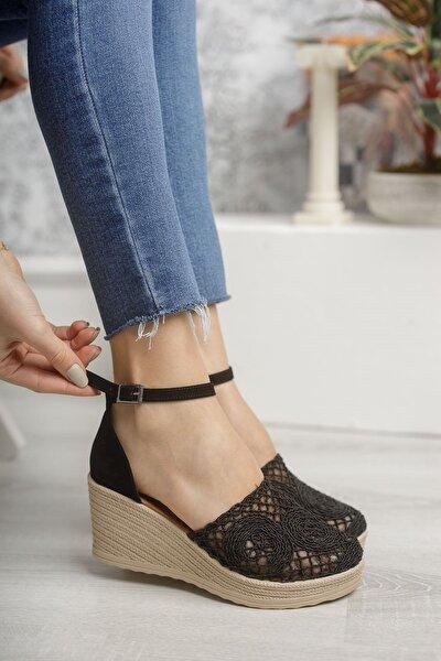 Dolgu Topuk Örgülü Siyah Ayakkabı