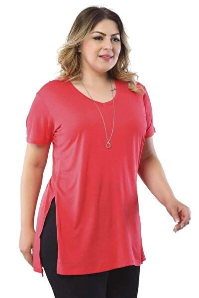 V Yaka Yanı Yırtmaçlı T-shirt