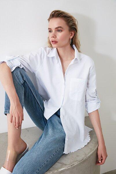 Beyaz Saçak Detaylı Gömlek TWOAW20GO0295